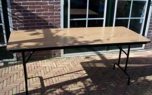 houten stevige tafel